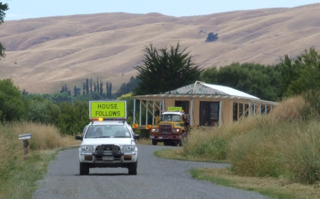 kahikatea-farm-house-moving